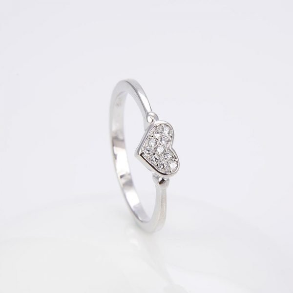 """Silver ring """"Love"""" with cubic zirconia - frontal photo with focus on the ring stone"""