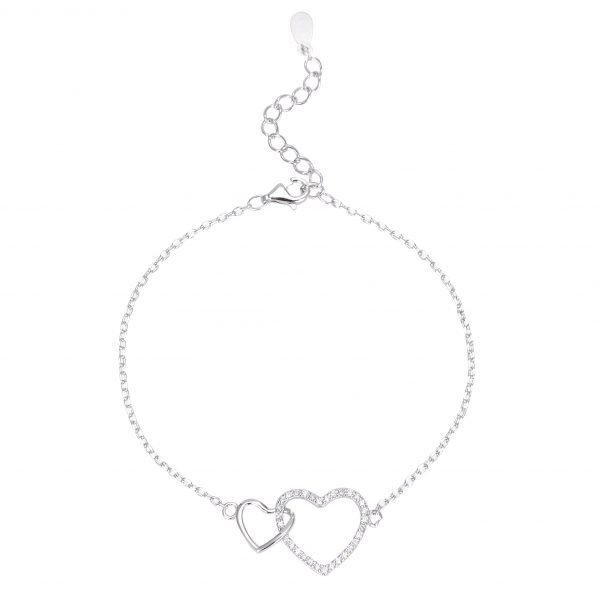 """Сребърна Гривна """"Две Сърца,Едно Цяло"""" с два елемента във формата на сърце."""