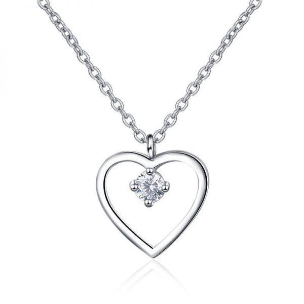 сребърно колие с медальон във формата на сърце на цена от 35лв.