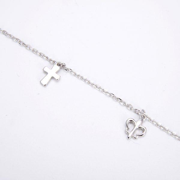 Сребърна гривна с висулки във формата на кръст и пеперуда на цена от 44лв.