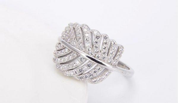 пръстен с листо