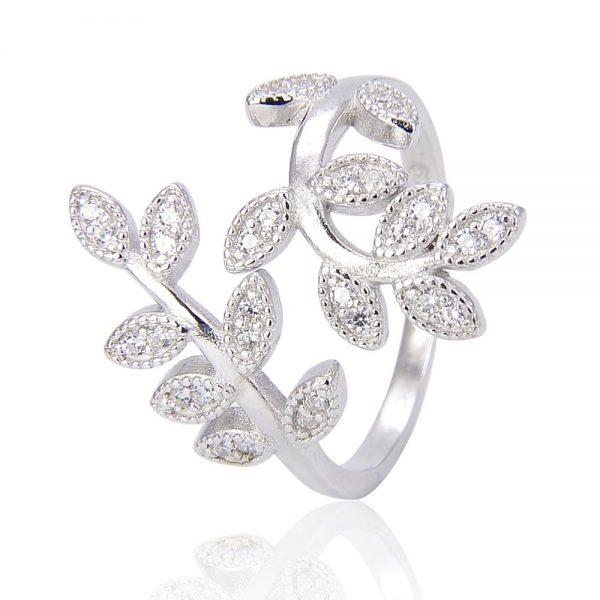дамски сребърен пръстен с камъни от кубичен цирконий на цена от 36лв