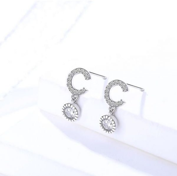 pair of women's silver earrings made of sterling silver 925 and cubic zirconia stones