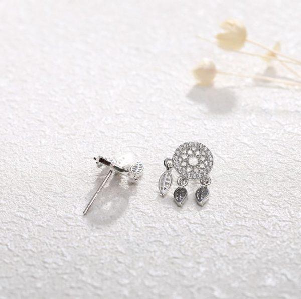 ловец на сънища сребърни обеци с кубичен цирконий и пера