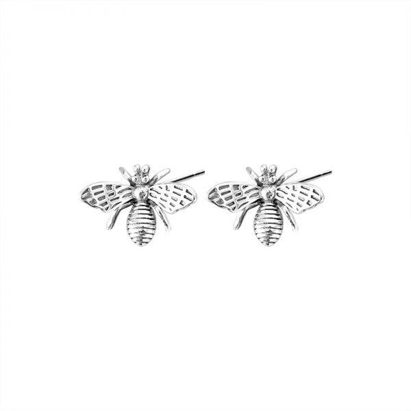 сребърни обеци пчели на бял фон