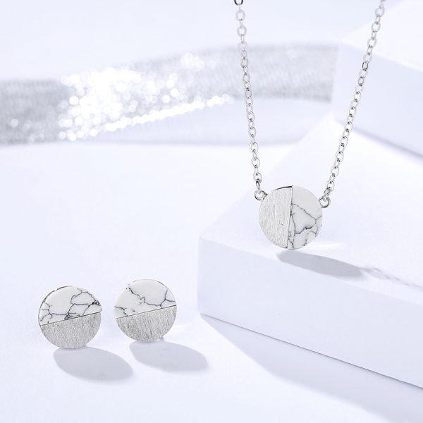 сребърен комплект от колие и обеци с мрамор в минималистичен дизайн