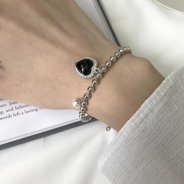 сребърна гривна с черно сърце от ахат
