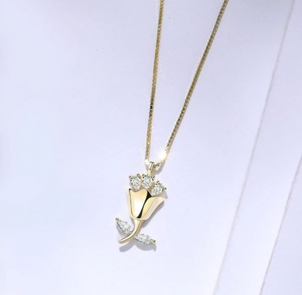 gold plated silver rose bouquet necklace