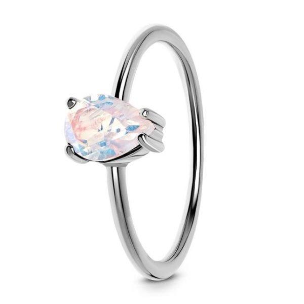 изчистен сребърен пръстен с лунен камък