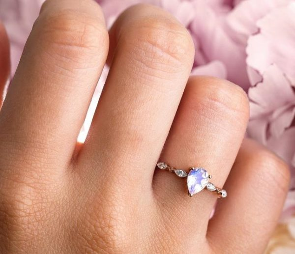 silver ring fascination