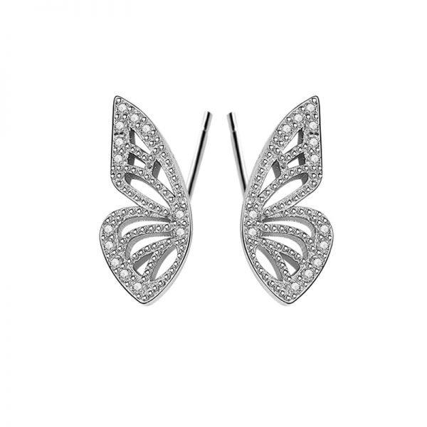 сребърни обеци под формата на криле на пеперуда с кубични циркони снимани фронтално в детайлен близък кадър на бял фон