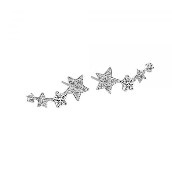 сребърни обеци комета на бял фон