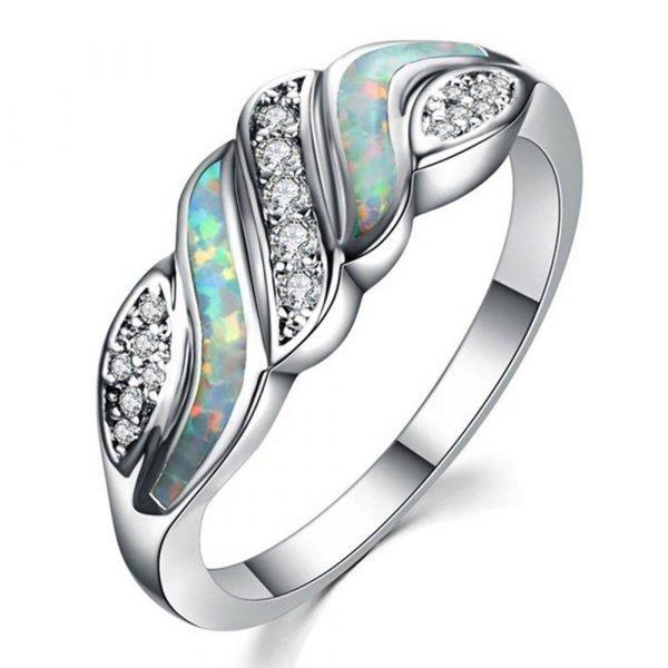 Сребърен пръстен с изключително цветен синтетичен опал и сребърни камъчета