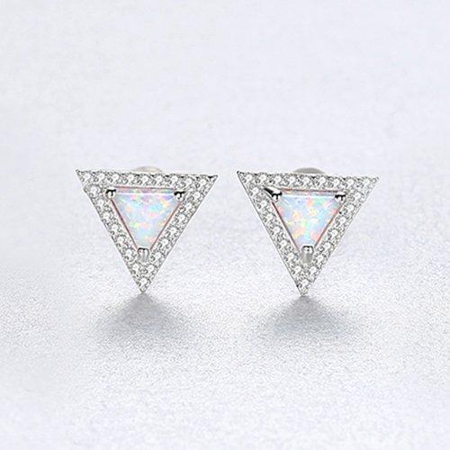 сребърни обеци с триъгълна форма и светъл синтетичен опал в средата